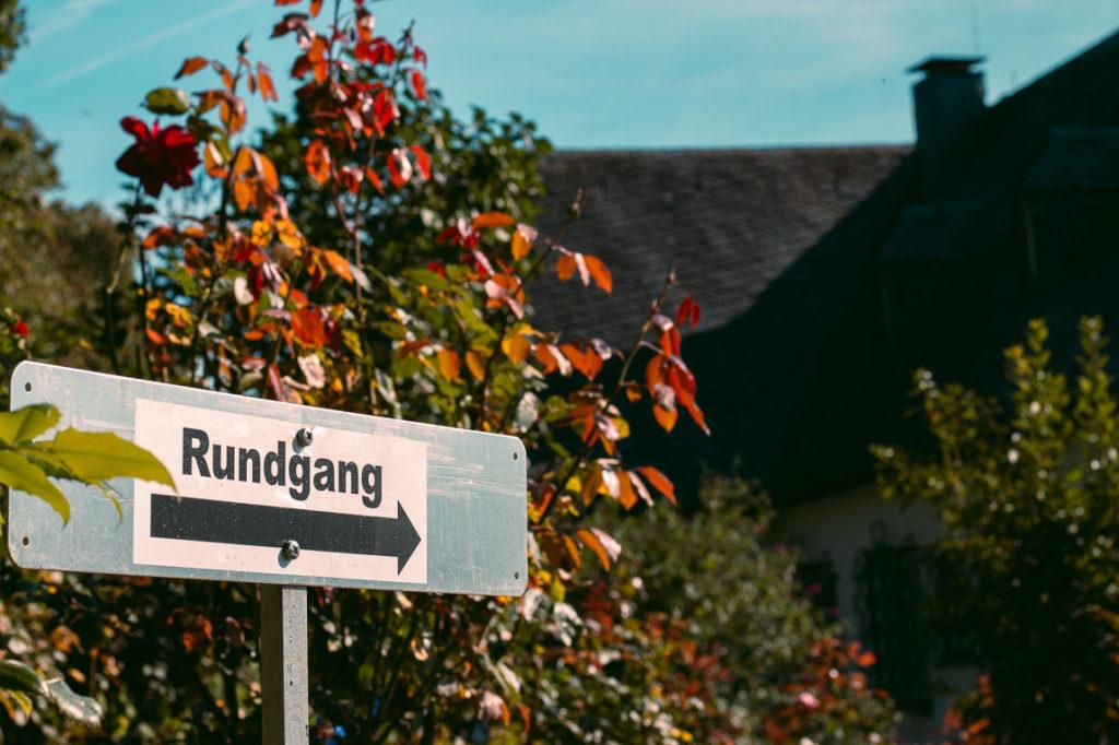 Rundgang im Garten am Konrad Adenauer Haus